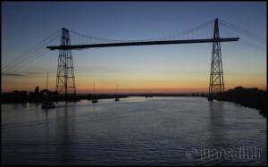 passage très matinal du Pont transbordeur de la Charente